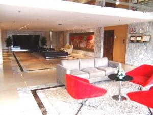 Fraser Suites受付横の待合スペース