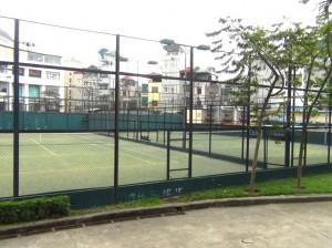 充実したテニスコート