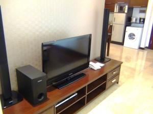 Fraser Suites 1ベッドルーム(55㎡)のテレビスピーカーシステム「これはフレーザー標準です」
