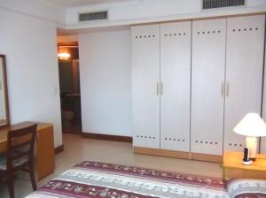 各居室には収納も豊富です