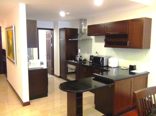 「Fraser Suites」2ベッドルームのキッチンスペース