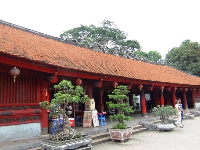 文廟の赤い甍
