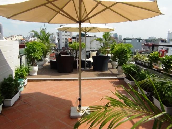 屋上の緑地スペース