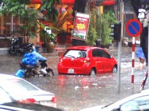 もう少しでアウトな道路上の水位