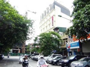 都心の中心なのでホテルが建ち並んでいます