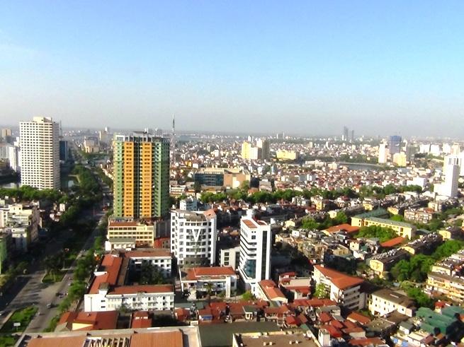 私の自宅は29階。ベランダから眺めたハノイ市内