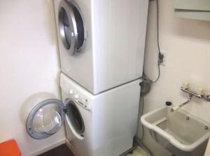 乾燥機と洗濯機とモップの洗い場はセットです