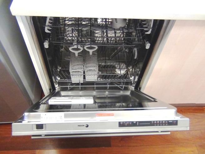 食器洗浄機も標準素帯です