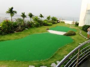 屋上のゴルフ練習場