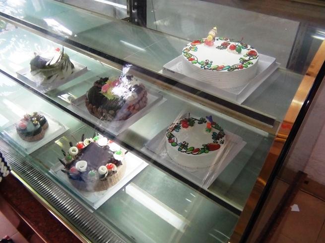バースデーケーキも生クリームを使ってとても美味しい仕上がりを楽しめます