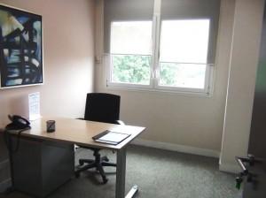 一人用のオフィススペースからご紹介できます