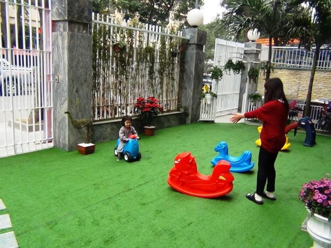 限られたスペースを効率よく子供の遊び場に、工夫が生きています