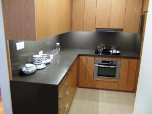 キッチンシンクスペース以外にL字型のサブキッチン