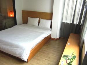 1ベッドルームの居室風景「無駄なスペースを省いた理想的な間取りです」