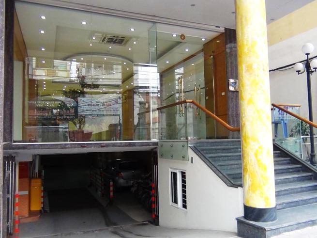 「223 Doi Can通り」の入り口の風景
