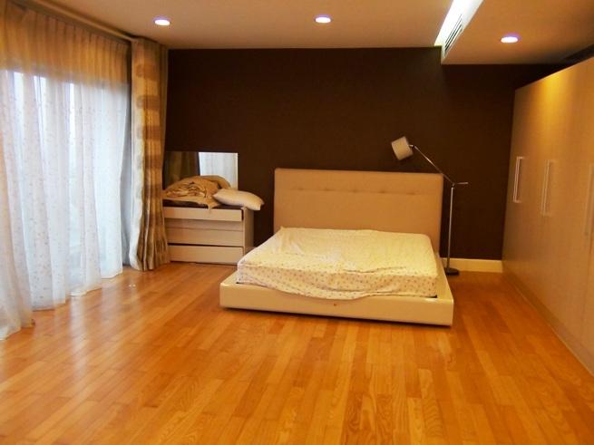 2部屋を合わせて改造した特注の部屋「かなり広い主寝室となっています」