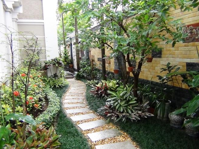 広大な庭には季節の樹木が植えられています「ペットももちろんOK!家庭菜園に興味のある方には嬉しい庭ですね」