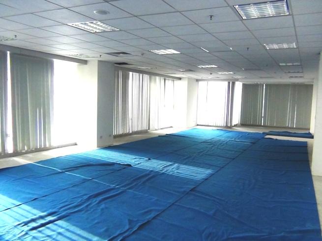 10階部分124㎡のオフィススペース「床から天井高の大きな窓ガラスが壁面一杯なので明るいオフィススペースが確保できます