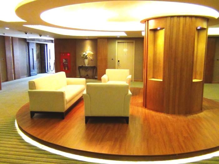 サービスアパートメントフロアの共用スペース