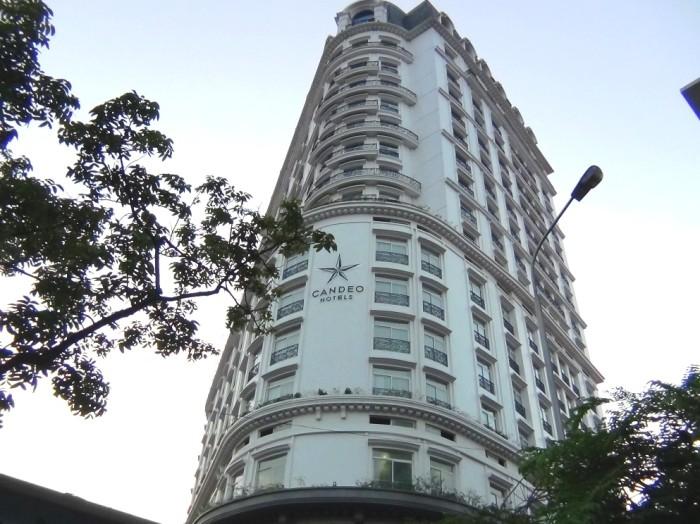 夕暮れ迫る「CANDEO HOTELS HANOI」の勇姿