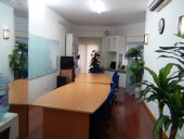 教室の風景「フローリングが気持の良い綺麗な教室です」