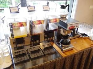 フレッシュジュースとコーヒー