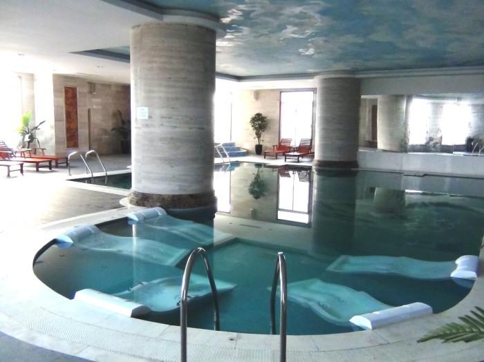 年中利用できる室内プール