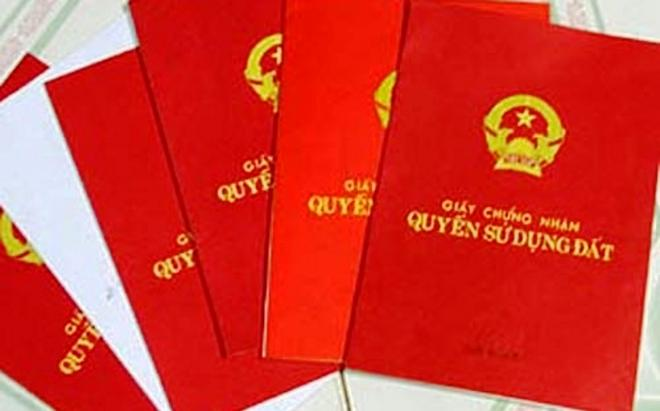 土地使用権証明書「ベトナム人でも限られた人しか持っていないレッドノート。外国人が持つには様々な条件をクリアしなければなりません」
