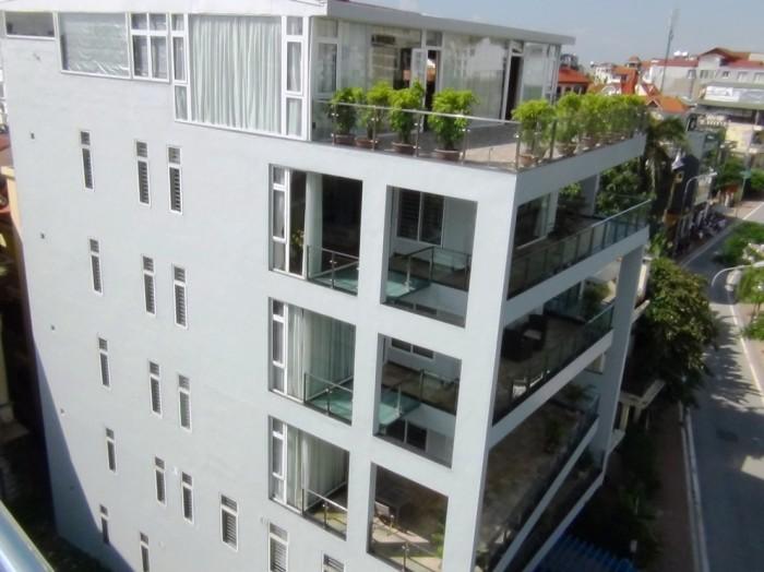 Water Point-32 Aptアパートの全容です「タイ湖につき出したバルコニーが特徴のサービスアパートです」
