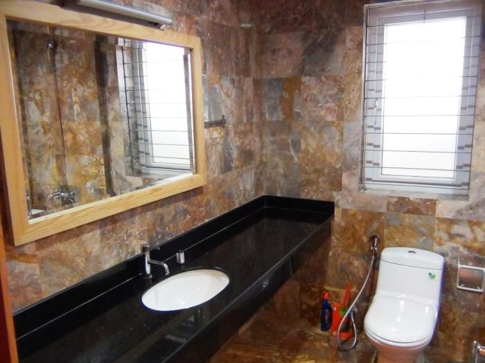 バスタブ付きの洗面スペース「窓がしっかりついています」