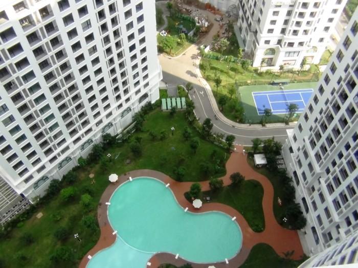 24階から見下ろした共用スペースの風景