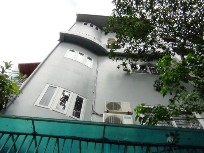 「28 Pham Huy Thong通り」の全容