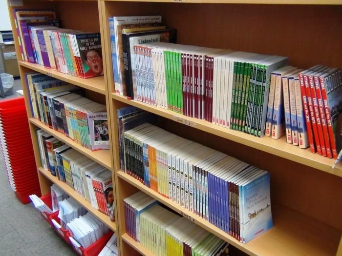 上級生になればなるほど難しい本にチャレンジするようになっています