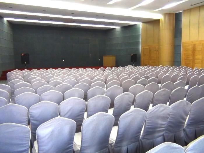 学芸会や発表会、コンサートなど多目的に使用できます