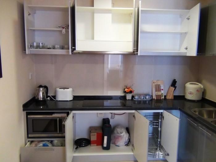 キッチンスペースは収納も豊富です