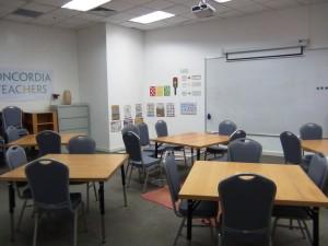 綺麗に整えられた教室