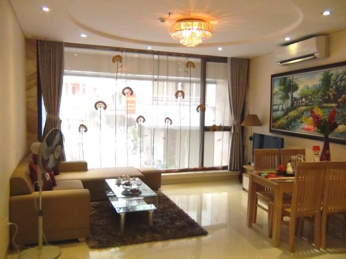 2階1ベッドルーム(80㎡)のリビング風景