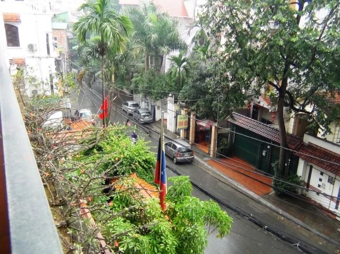 雨に煙るハノイの街並み