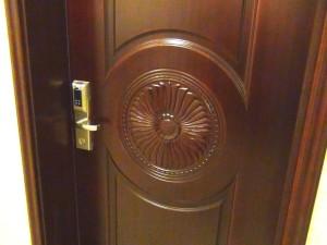 玄関扉は指紋認証ですのでカードキーの紛失で困ることはありません