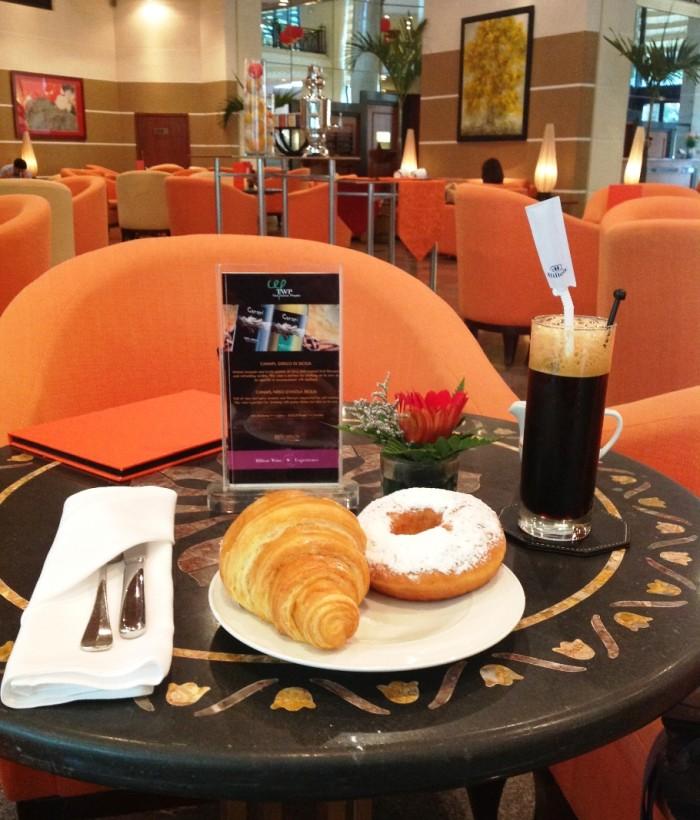 Hanoi Hilton Opera Hotel(ヒルトンオペラホテル)の朝食風景「ちょっと奮発しました・・・」