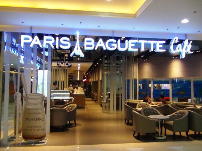 なんとB2階とB1階に2店舗出しているPARIS BAGUETTE cafe