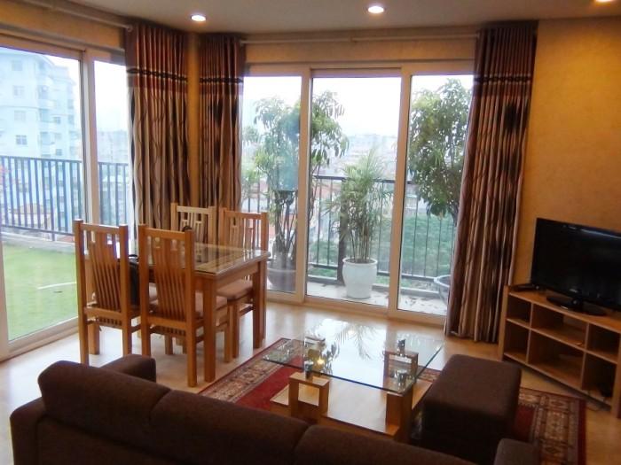 10階のルーフバルコニー付き1ベッドルーム「リビングがこれほど明るい部屋は滅多にありません」【 Dong Quan通り(新築)】