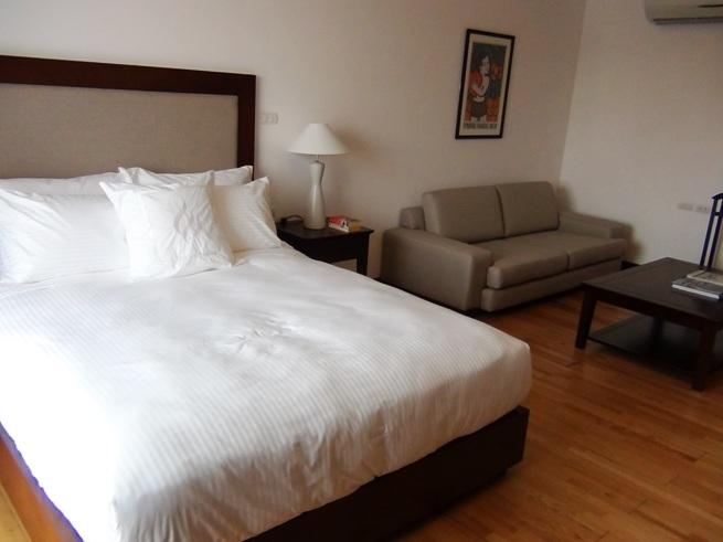 Studio(1ルーム)タイプのベッドサイズとソファーセット