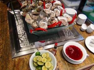 なんと生牡蠣「これは昼食のみで朝食には無いかもしれません」