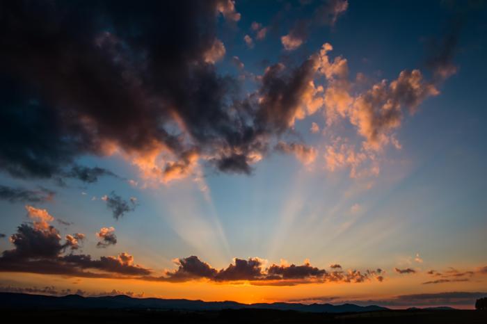 どれだけ日差しの厳しい国でも、太陽の恵みは人間の体には無くてはならないものなんですね