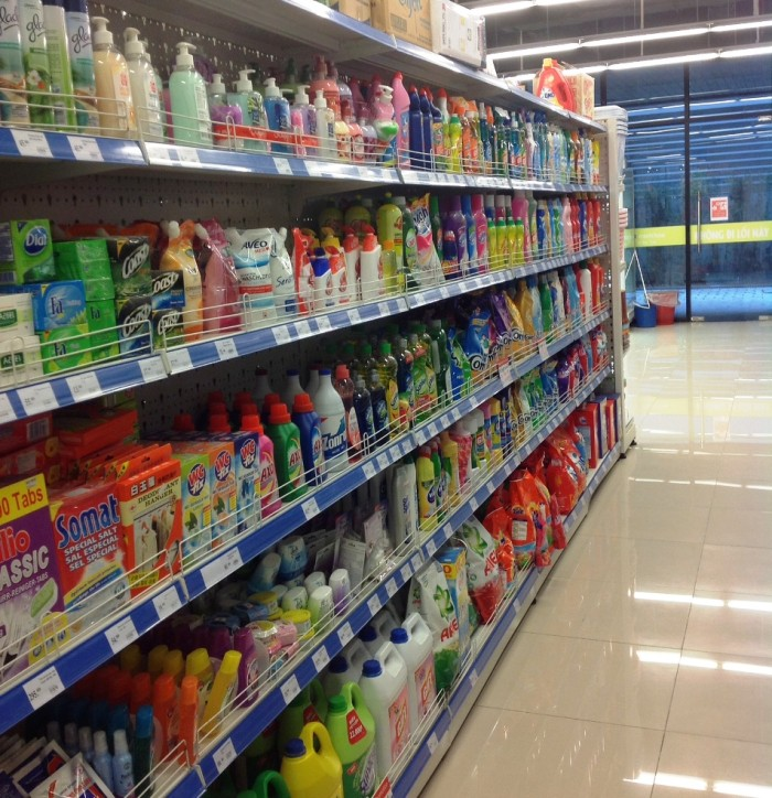 家庭用洗剤から芳香剤まで雑貨類は結構揃っていました