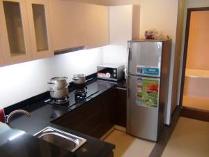 キッチンスペース「単身者様には充分な装備かと思います」