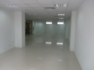 店舗・オフィススペース(130㎡、1.430ドル)