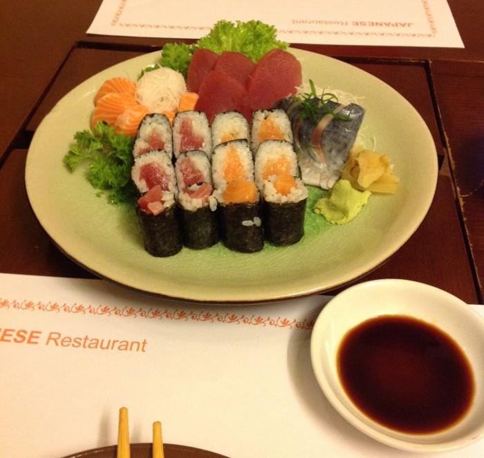 お腹が減っていれば「お寿司適当に」と言えば、こんな感じで出してくれます