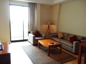 17階にある1ベッドルーム(70㎡)のリビング